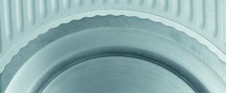 rundes Schneidemesser mit Wellenschliff